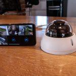Dome-Kamera mit Handybild